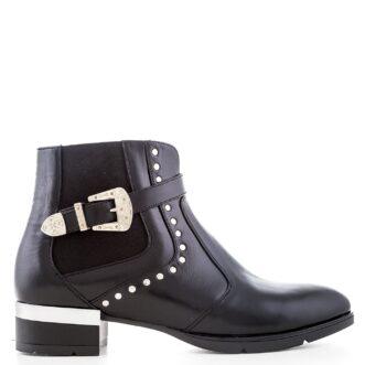 Sura black leather