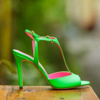 Isabelle neon verde