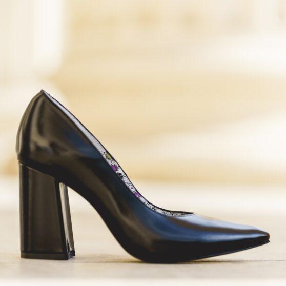 Victoria black leather